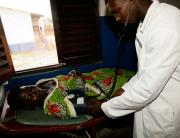 Enfermeria-en-Eticoga_Parque-Nacional-de-Orango_Poilao_Bijagos_Guinea-Bissau0002-e1293112748440